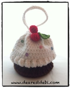 Crochet Cupcake Purse with Cherries on Top - Dearest Debi Patterns