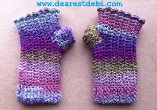 Mosaic Snowdrop Fingerless Gloves - Dearest Debi Patterns