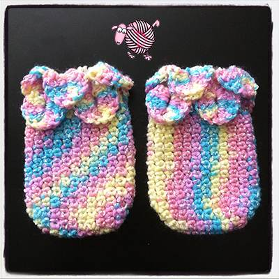 Crocodile Crochet Baby Mittens - Dearest Debi Patterns